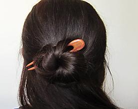 Ozdoby do vlasov - Drevená minispona do vlasov - 12500725_