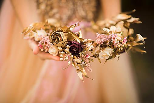 """Kvetinový boho venček """"zlato na perách"""""""