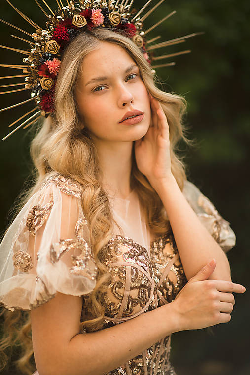 """Obojstranná korunka """"kráľovna jesenných dní"""""""
