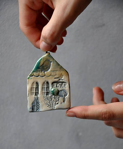 vešiak dom, domček prírodný