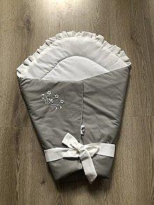 Textil - Vyšívaná zavinovačka - sivá - 12502596_