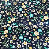 kvetinky na tmavomodrej, 100 % bavlna Anglicko, šírka 140 cm