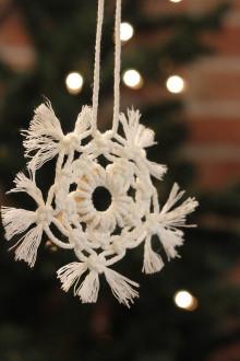 Dekorácie - Vianočná snehová vločka na stromček - 12507250_