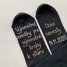 Obuv - Maľované ponožky pre otca nevesty (čierne s bielo zlatým nápisom) - 12505823_