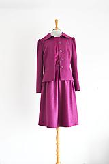 Iné oblečenie - Vlnený kostým - sako s okrúhlym golierikom a sukňa so záhybmi  - 12505373_