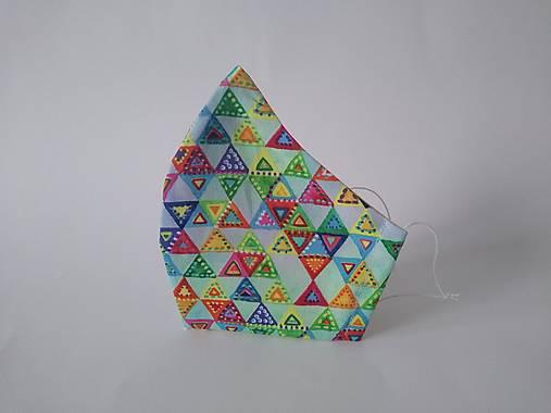 Dizajnové rúško trojuholníky farebné tvarované dvojvrstvové