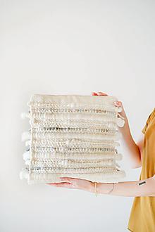 Úžitkový textil - Ručne tkaný vlnený dekoračný vankúš - 12513782_