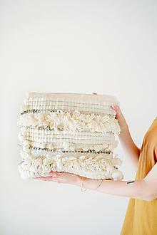 Úžitkový textil - Ručne tkaný vlnený dekoračný vankúš - 12513797_