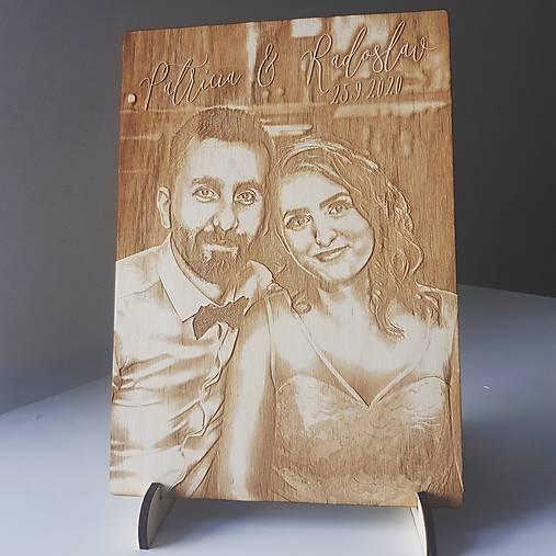 Gravírovaný drevený obraz hranatý
