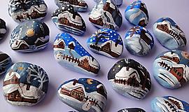 Dekorácie - Maľované kamienky - Zasnežené chalúpky - 12512581_