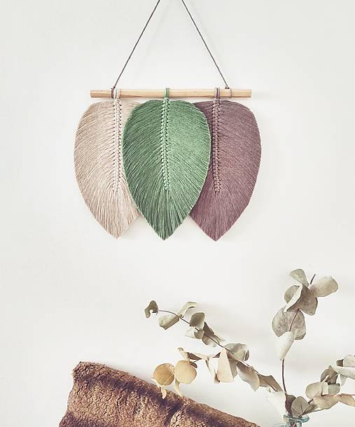 Dekorácie - Makramé závesná dekorácia CLOVER (Béžová/zelená/hnedá) - 12515144_
