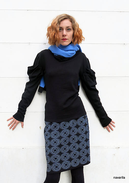 NATALA - pletená sukně nad kolena - rovná
