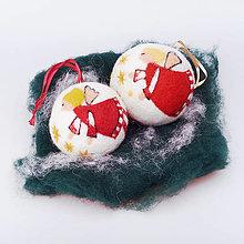 Dekorácie - Vianočná guľa - červený anjelik - 12517602_