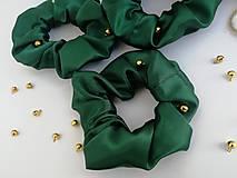 Ozdoby do vlasov - Tmavo zelené Scrunchies gumičky Satén - 12522134_