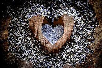 Náhrdelníky - Damaškové srdce - 12528769_