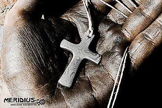 Náhrdelníky - Damaškový krížik - 12528812_