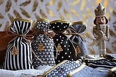 Dekorácie - Adventné vrecúška / adventný kalendár ČIERNO-BIELY - 12528965_