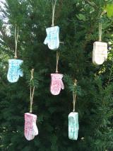Dekorácie - Drevené rukavičky - 12528344_