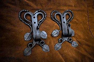 Nábytok - Rustikálny vešiak s listami - 12534242_