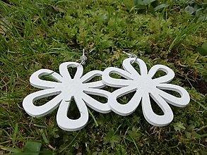 Náušnice - Náušničky kvietky biele - 12534626_
