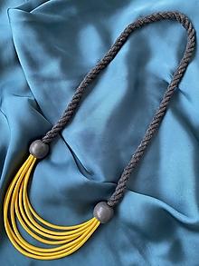 Náhrdelníky - Žluto-šedý s korálky - 12532766_