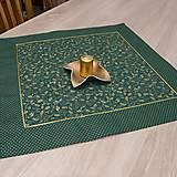 Úžitkový textil - CEZMÍNA - zlaté cezmíny na zelenej - štvorec 55x55cm - 12531620_