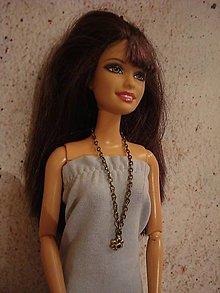 Hračky - Náhrdelník pre Barbie s drobným kvietkom - 12540726_