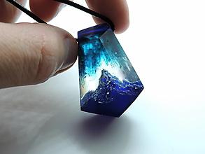Náhrdelníky - Živicový náhrdelník - Hory 3 - 12552310_