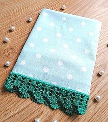Úžitkový textil - Utierka s háčkovanou krajkou, mentolová s bodkami - 12548362_