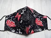 Rúška - Bavlnené rúška...  Magic (Červené motýle na čiernej + strieborný efekt) - 12553980_