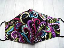 Rúška - Bavlnené rúška...  Magic (Farebné ornamenty na čiernej+ zlatý efekt) - 12553983_