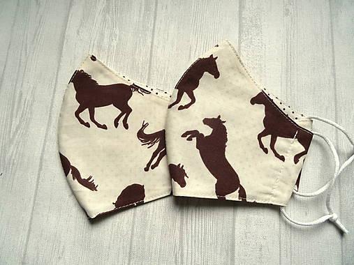 Bavlnené rúška  Unisex (Hnedé kone na smotanovej)