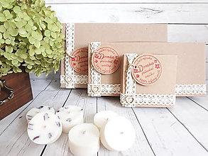Svietidlá a sviečky - Sójová čajová sviečka v darčekovej krabičke - 12556148_