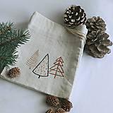 Úžitkový textil - Vianočné vrecúško - stromčeky - 12553403_
