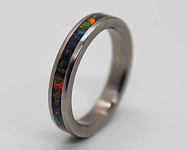 Prstene - Titanový prsteň s opálom - 12558944_