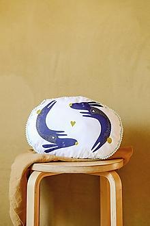 Textil - Vankúš Zajkovia s autorskou grafikou - 12558833_
