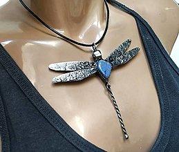 Náhrdelníky - Cínový šperk Vážka - 12561689_
