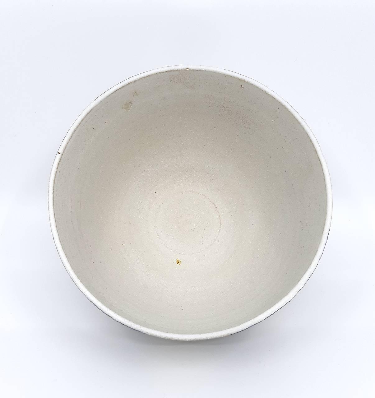 Misa bielo-šedá dekorovaná