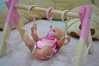 Hračky - RUŽOVÁ mini Drevená hrazdička pre bábiky - 12565786_