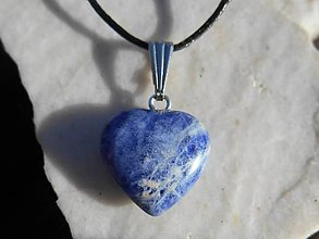 Sady šperkov - sodalita-naušnice,prívesok-heart (prívesok-sodalit-šnúrka na zapínanie) - 12573027_
