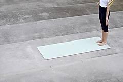 Nezaradené - Štýlová joga podložka Dotek z 100 % prírodného kaučuku - 12575157_