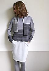 Svetre/Pulóvre - fialkovočierny pulover so šálom - 12574144_