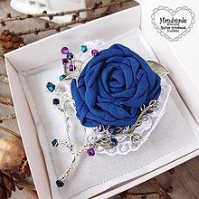 Odznaky/Brošne - Brošňa - modrá ruža na vetvičke, strieborná - 12585572_