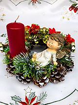Dekorácie - Vianočný veniec s anjelikom - 12592566_