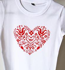 Tričká - dámske červené folklórne srdce - 12596375_