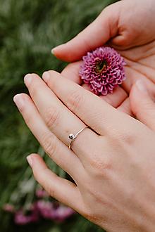 Prstene - Strieborný prsteň s guličkou - 12599235_