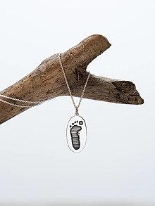 Náhrdelníky - Odtlačok detskej nožičky - ovál - 12600382_