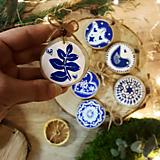 Dekorácie - Modro- biele folk ozdoby - 12600169_