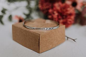 Náramky - Tenký oceľový náramok: Priateľstvo je dar - 12601131_