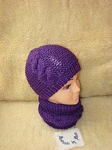 Čiapky - Ručne pletená fialová čiapka s nákrčníkom - 12601914_